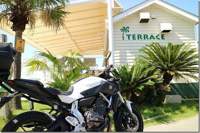 糸島TERRACE PALM BECHへバイクで