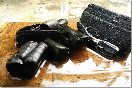 佐里温泉の備長炭