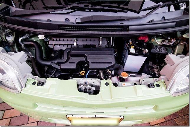 タント、L375Sのエンジンルーム