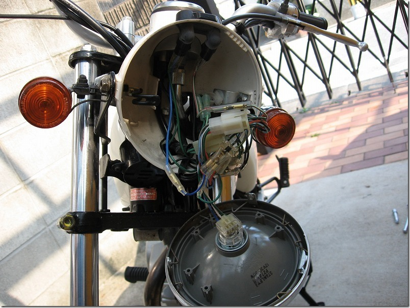 APE100バッテリー取り付け方法・手順2