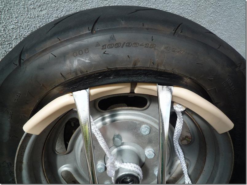 APE100タイヤ交換(取り外し)、タイヤ交換作業1