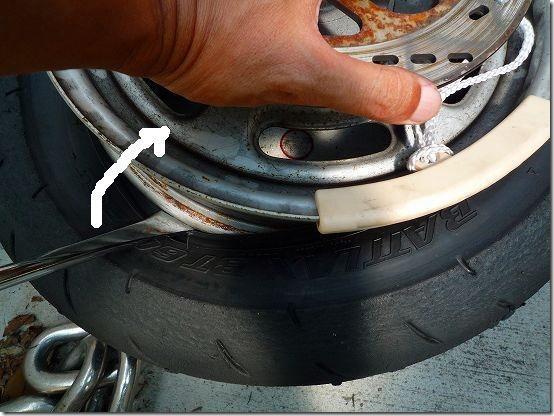 APE100タイヤ交換(組み込み)、タイヤ交換作業6