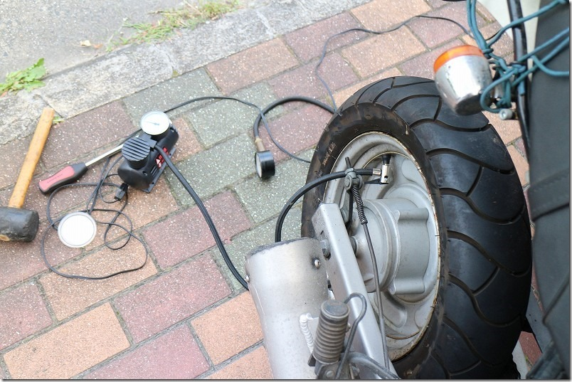 APE100のタイヤエアバルブ交換方法6
