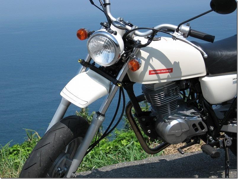 二見ヶ浦から野北に抜けるサンセットロードで海とバイク
