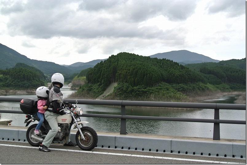 子供と初のバイクツーリング、タンデムAPE