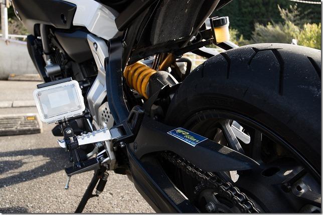 バイク低空でアクションカメラ