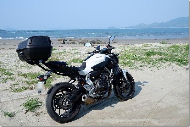 MT-07で唐津の浜