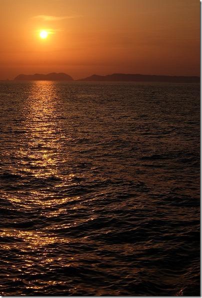 壱岐、印通寺から帰りのフェリーからの夕日