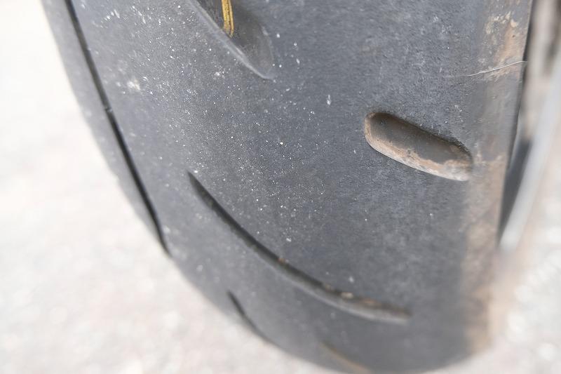 MT-07でブリジストンTS100の耐久性リヤタイヤ