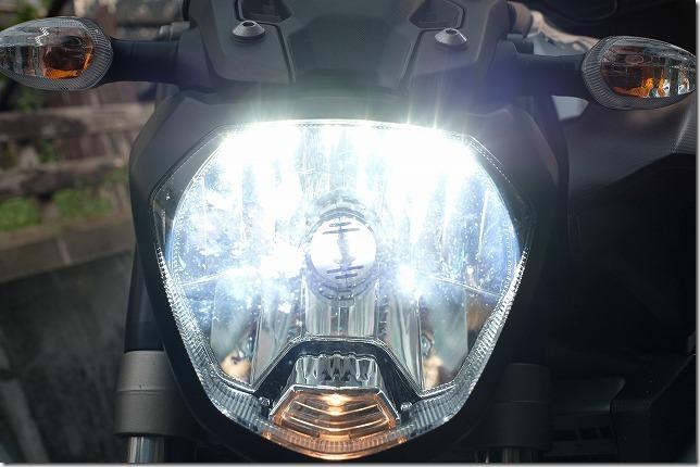 MT-07のヘッドライトをLED化