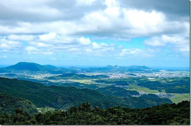 白糸の滝周辺から林道からの糸島の展望