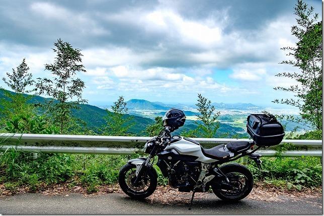 白糸の滝周辺から林道へ(糸島の展望)とバイク(MT-07)