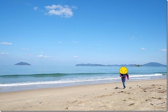 糸島・姉子の浜の砂浜