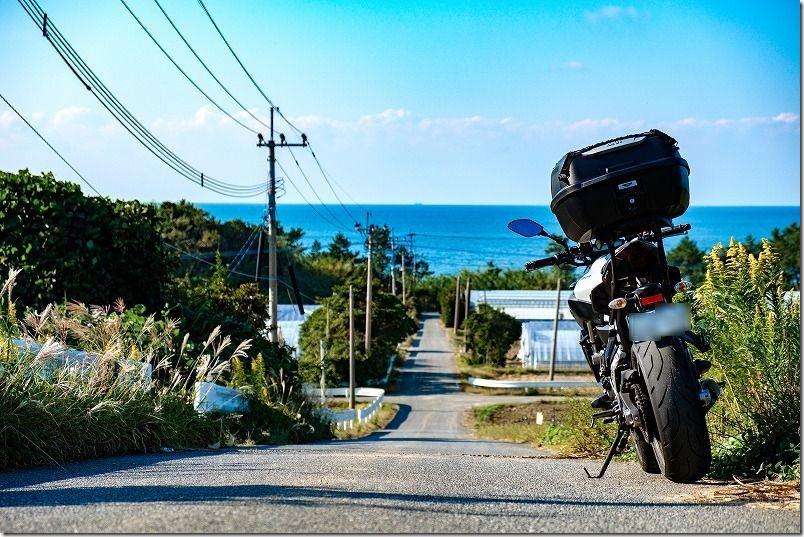 糸島の海とMT-07(二見ヶ浦周辺の丘から)