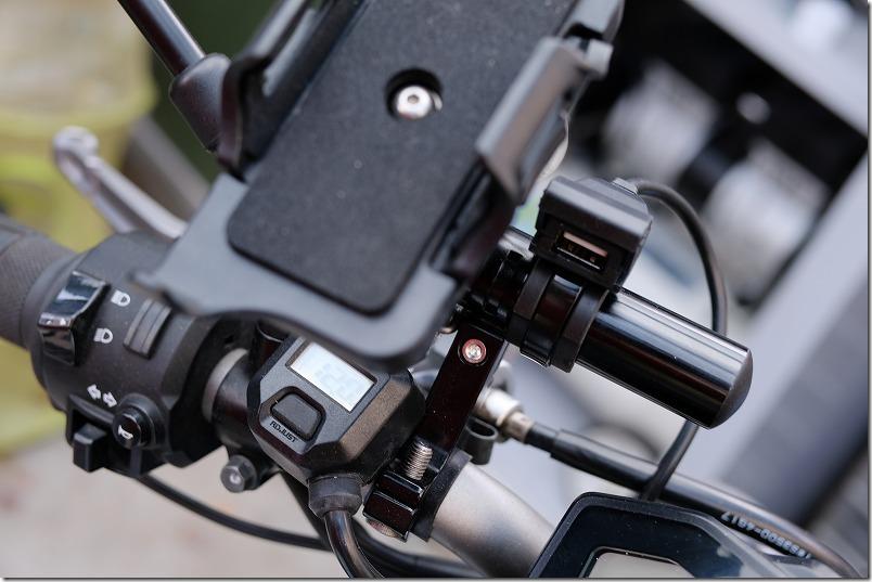 DAYTONAバイク専用USB電源(1ポート)2.1AのMT-07へ取り付け
