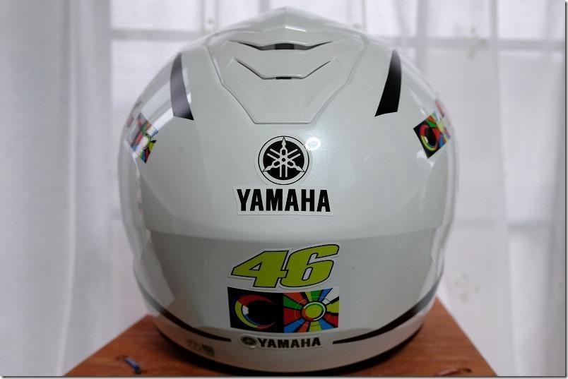 ヘルメットに貼ったカッティングシートとデザイン、リア