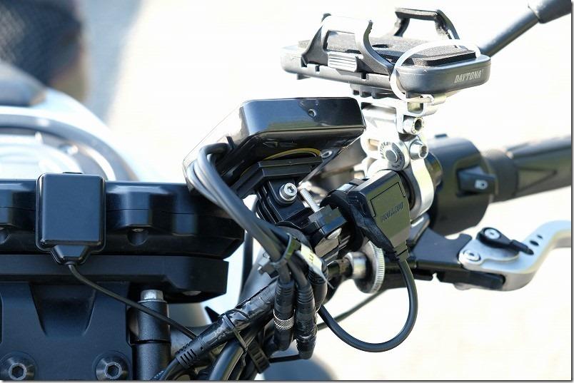 MT-07にドライブレコーダーを取り付け(モニター取り付け)